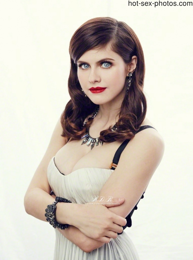 Alexandra Daddario - slut with mesmerizing eyes. If she would look at me with these eyes during blowjob i\'d cum immediately. And her tits! Paradise for dick. What would you do to her?   Celeb  Porn XXX   Celebrity Nakeds XXX