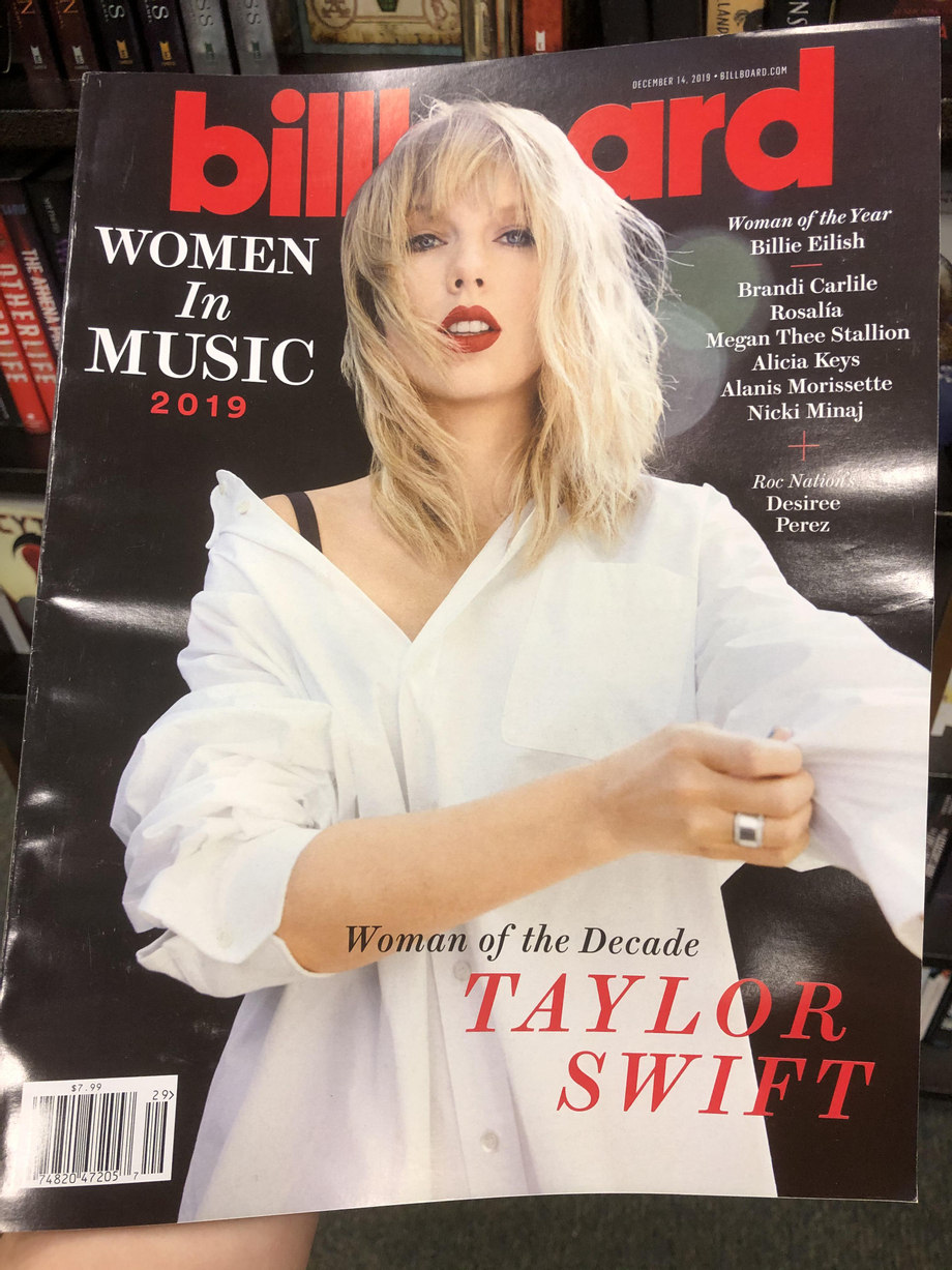 Look who I found at Barnes and Noble! | Taylor Swift  Porn XXX | Celebrity Nakeds XXX