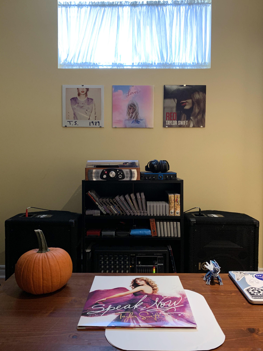 Made a little music corner in which I hanged my 3 favourite TS albums. Now playing: Speak Now   Taylor Swift  Porn XXX   Celebrity Nakeds XXX