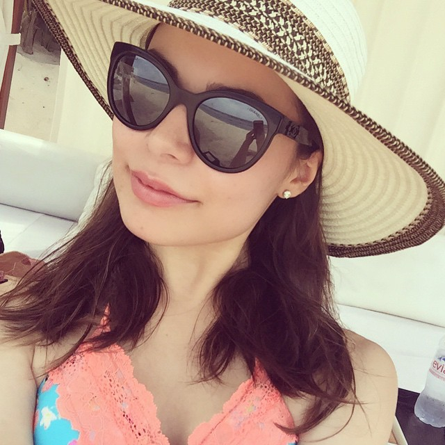 Miranda Cosgrove...I want to ride eternal with her. Shiny and Chrome | Celeb  Porn XXX | Celebrity Nakeds XXX