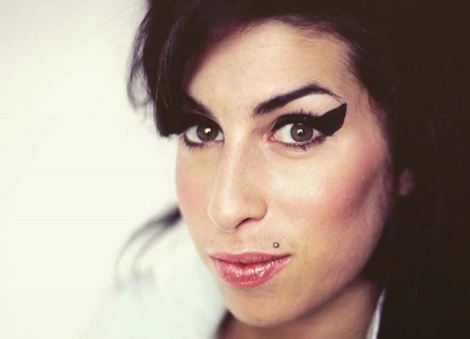 There is no greater love than what we feel for youuuuu...R.I.P my love. | Amy Winehouse  Porn XXX | Celebrity Nakeds XXX